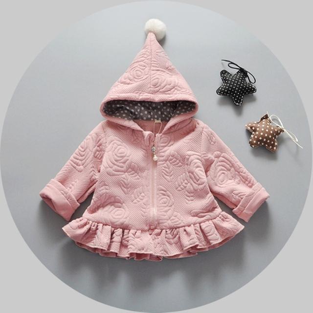 Outono Inverno Do Bebê Meninas Infantis Crianças Encapuzados Princesa Ruffles Jacket Coats Exteriores Presentes de Natal Roupas De Bebe Casaco S4233