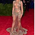 Manga longa Sexy Sheer Cristal Sereia Beyonce Celebrity Dresses 2016 Met Gala Colorido Frisada Backless Longo Vestidos No Tapete Vermelho