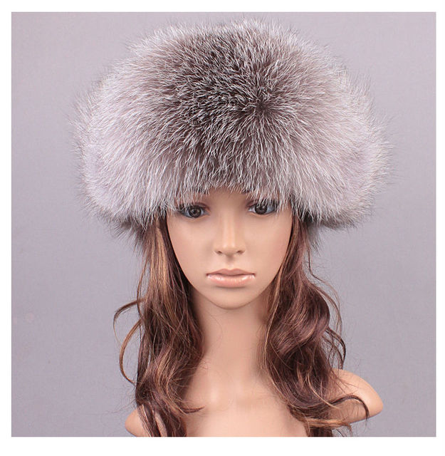 2017 New Casual Winter Solid Bomber Hats Womens Fox Fur Hats Lady Natural Fox Fur Warm Caps Polyester Lining + Cotton LX00820