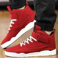 Skateboarding Shoes For Men Breathable Flats Outdoor Shoes Mens Skate Sport Sneakers Superstar Red Trainers Zapatilla