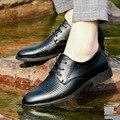 Homem Sandálias de verão Novo Padrão Masculino Ventilação Tempo de Lazer Maré Sapato Masculino Sapato De Couro Sapatos Homem Esvazie Reverente