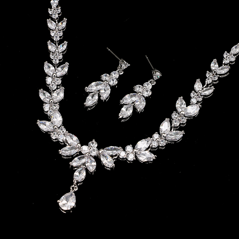 Emmaya Exquisite Jewelry Sets For Women Wedding Party Jewelry Accessories Cubic Zircon Stud Earrings & Necklace Gift 5