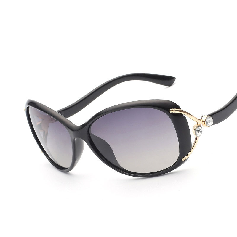 VEGA 2019 Nejnovější Funky Novelty sluneční brýle Polarizované dobré zorníky Sluneční brýle Ženy Nejlepší oválné brýle s pouzdrem Oculos de sol 9003