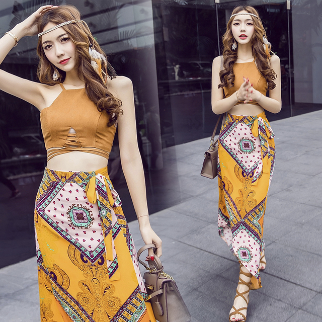 2017 Sexy Style 2 Piece Set Women Printed Skirt And Crop Top Suit Fashion Hollow Out Camisole Crop Tops Beach Print Long Skirts
