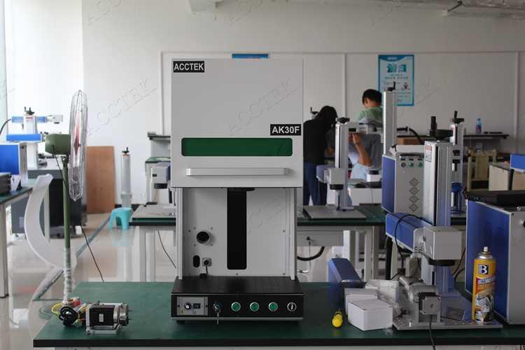 Ювелирные изделия серебро золото латунь резки Волоконно лазерная маркировочная машина мини cnc лазерный маркер Сделано в Китае