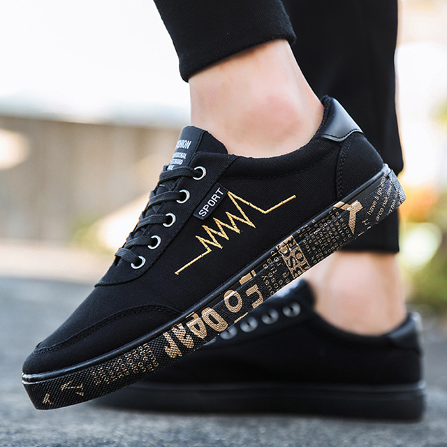New 2019 Spring Canvas Shoes Men Sneakers Low Top Black Men Casual Shoes Male Shoes Adult Trainers Men Footwear Fashion Sneakers