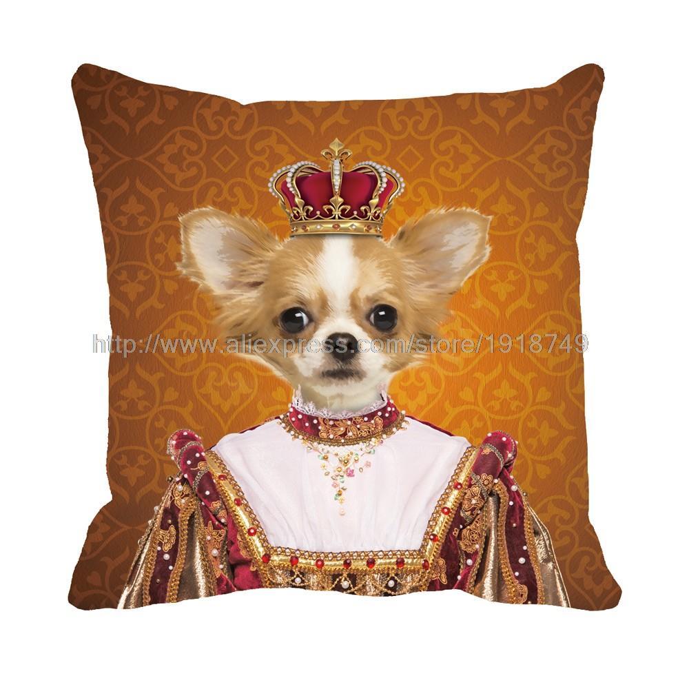 mignon chien roi chihuahua portant une couronne. Black Bedroom Furniture Sets. Home Design Ideas