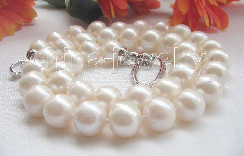 Collier de perles d'eau douce rondes blanches naturelles de P4919-18