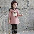 2015 novas crianças roupas de inverno Coreano de pelúcia cordeiro do bebê partes superiores das meninas crianças dos desenhos animados com capuz grosso camisola hoodies crianças