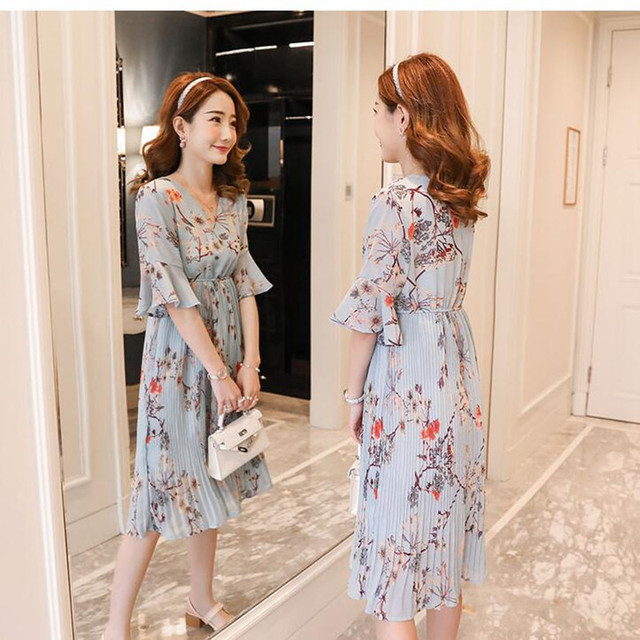 896b86230e92 New Maternity Horn Sleeve Dress Pregnancy Clothing V-neck Chiffon Print  Flowers Pleated Dresses For Pregnant Women 2018 Summer