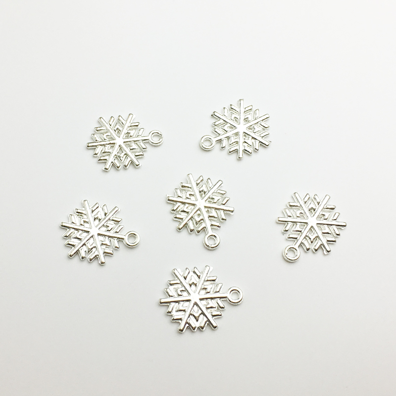 100 Antique Silver Snowflakes 19mm x 16mm  Alloy Metal Snowflake Charms Pendants