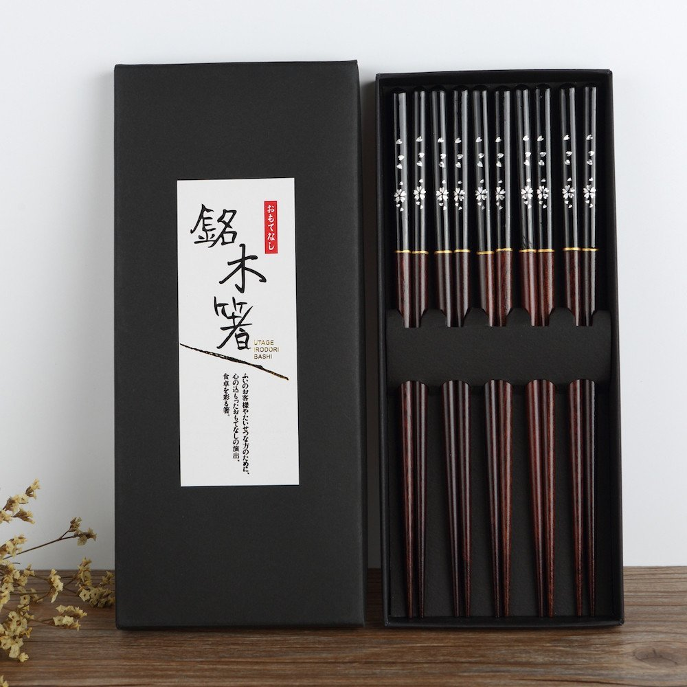 Chopsticks 5 pair Japanese Korean Food Wooden bamboo Red Black Handle Design Couple Reusable Chopstick Set Chop Stick with Case
