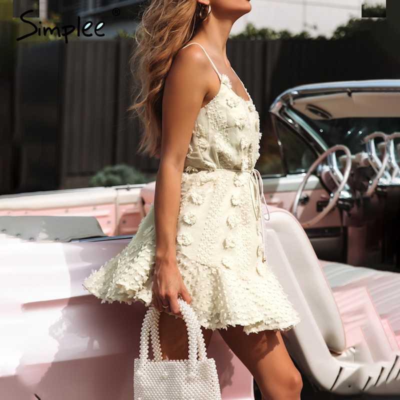 Женское платье Simplee с цветочной вышивкой, летний привлекательный элегантный короткий сарафан на шнуровке, повседневное женское платье с узкими бретельками, 2019