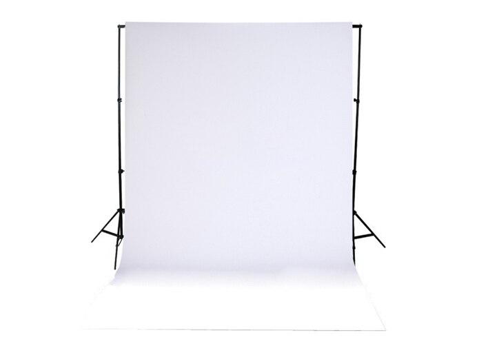 белый фотофон для просмотра проектора посередине