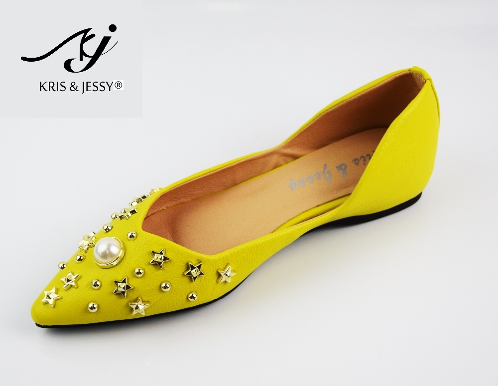 Kris & Jessy New Fashion Casual Women Pointed Toe Rivet Flat Bottom Shoes Women Slip On Flats Yellow Color Zapatos Mujer 2017 new fashion spring summer boat shoes women candy color flats pointed toe slip on flat fashion casual plus size pu shoes