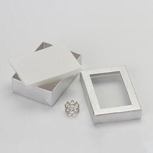 Image 3 - Caja expositora de joyería de 7x9 cm, 60 unids/lote, caja de regalo para pendientes de collar de cartón plateado, Cajas de Regalo de embalaje con esponja blanca