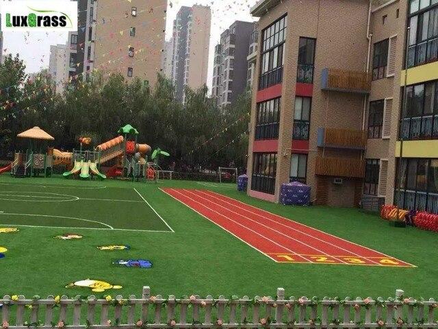 Kunstmatige synthetisch gras voor kids speeltuin en pretpark in