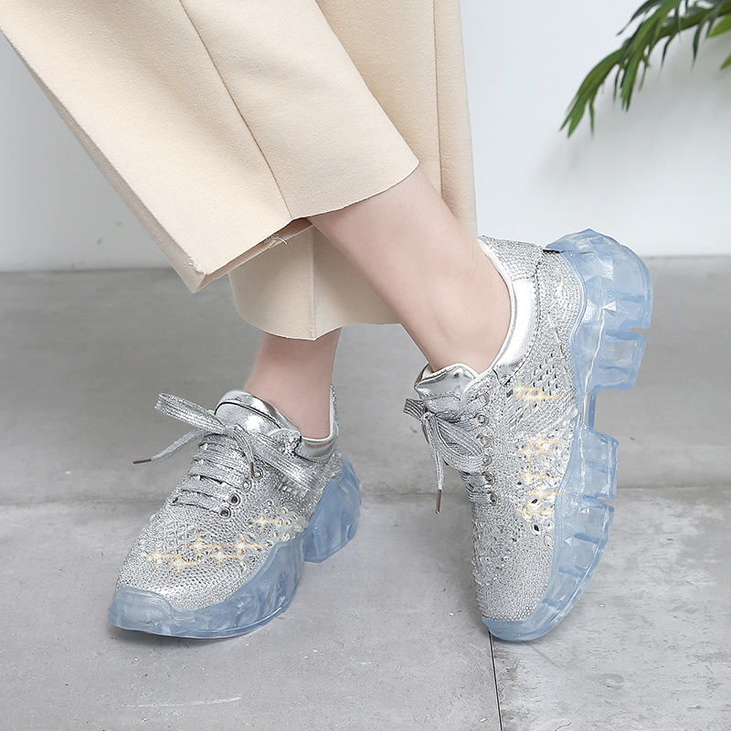 2019 Super Cool Sneakers Woman Silver Thick Soled Walking Shoes For Girls Brand Designer Athletic Sneaker Women Running Footwear