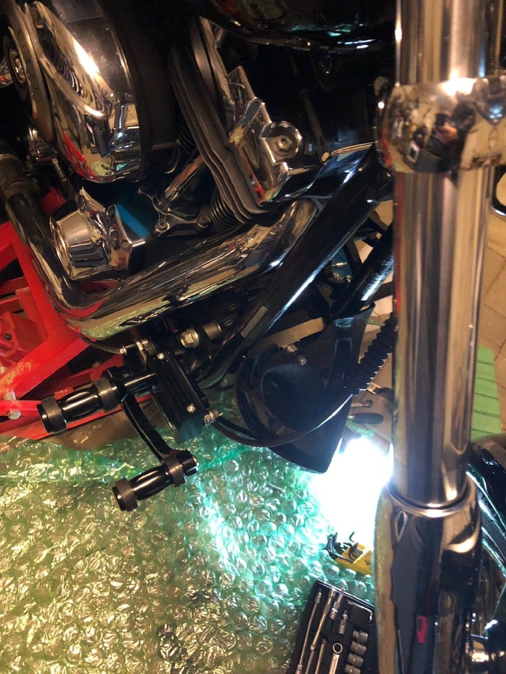 BIKINGBOY CNC Billet Forward Controls Foot Rests Foot Rest Rearsets for Harley Davidson SOFTAIL 01 02 03 04 05 06 07 08 09 10-16