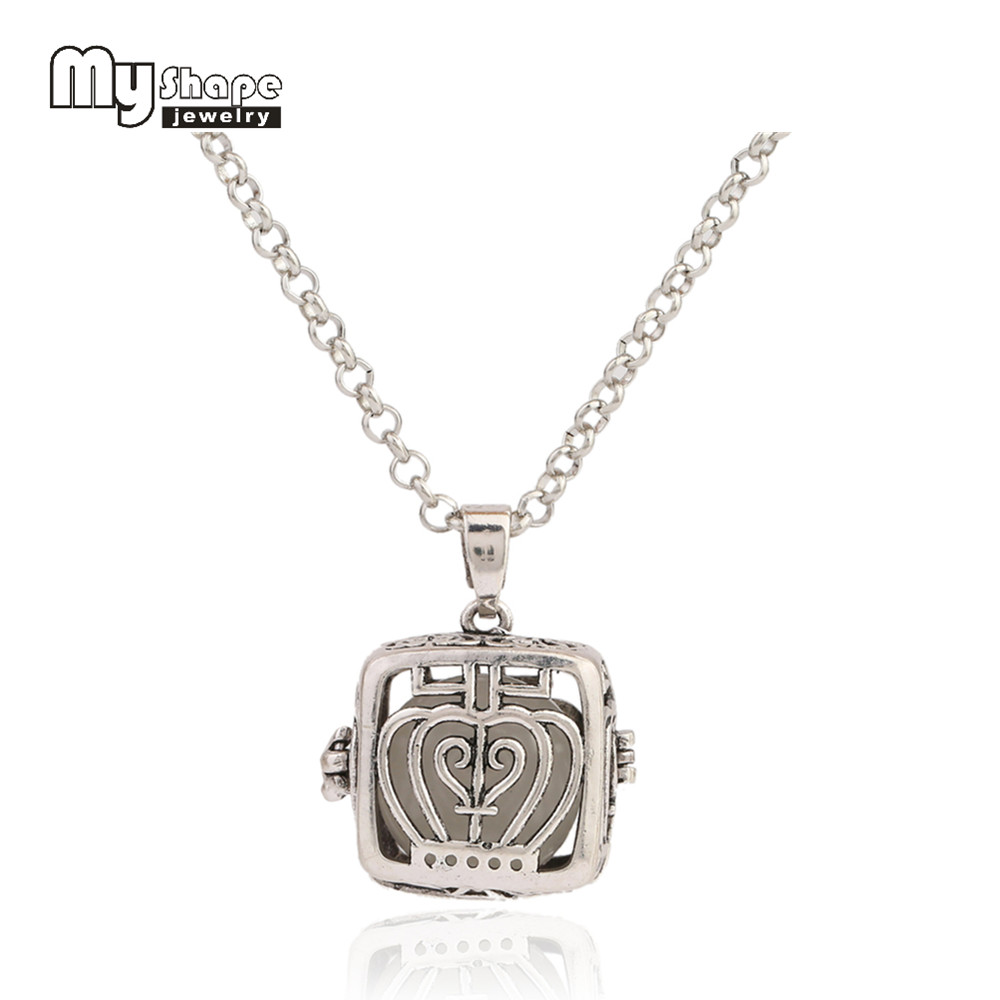 My Shape New Arrival Hollow Square Opened Locket Pendant Glow In The Dark Essential Diffuser Necklace