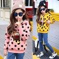 2016 новая мода девочка dot clothing с шляпу ребенка пальто дети верхняя одежда дети олень clothing детей толстовки