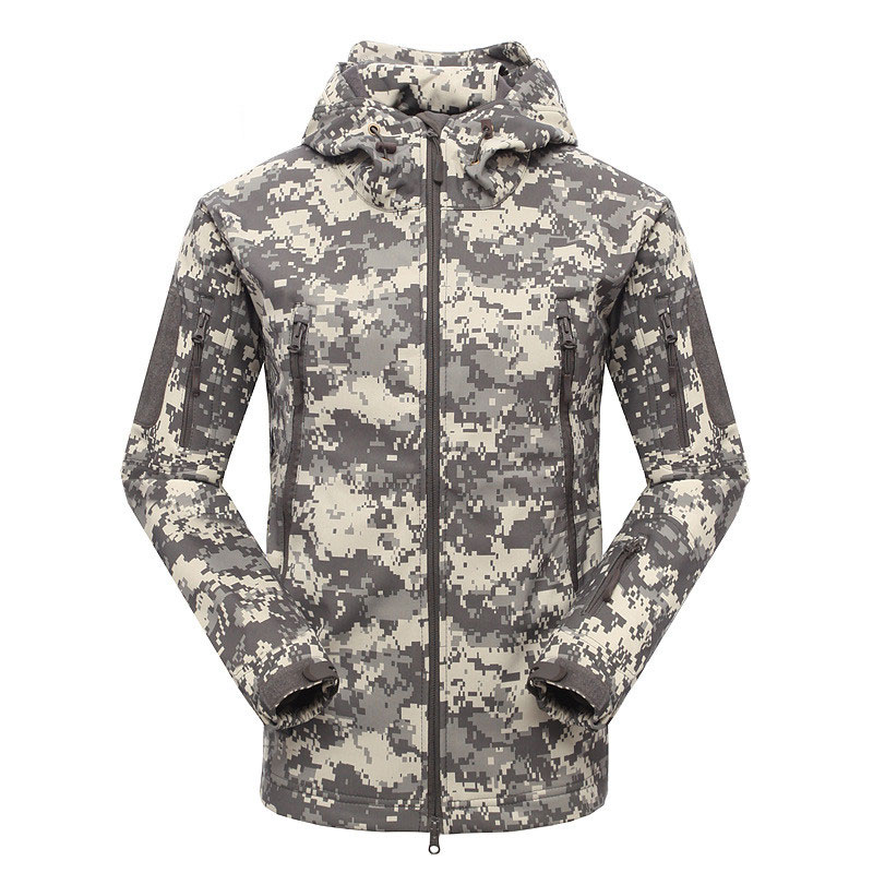 ФОТО New Men's Outdoor Shark Skin Camouflage Hiking Jacket Cimbing Soft shell jacket men's windproof fishing tactical Windbreaker
