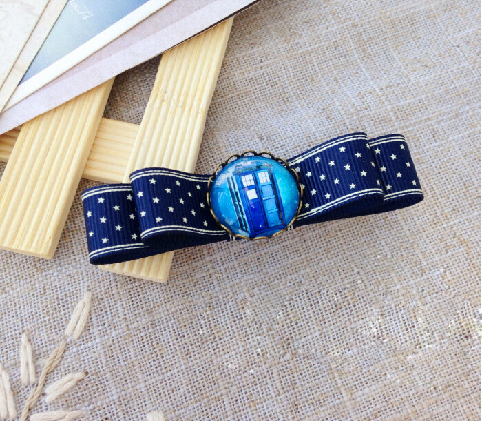 Doctor Who TARDIS BLUE STAR DoctorWho surrounding bow hairpin