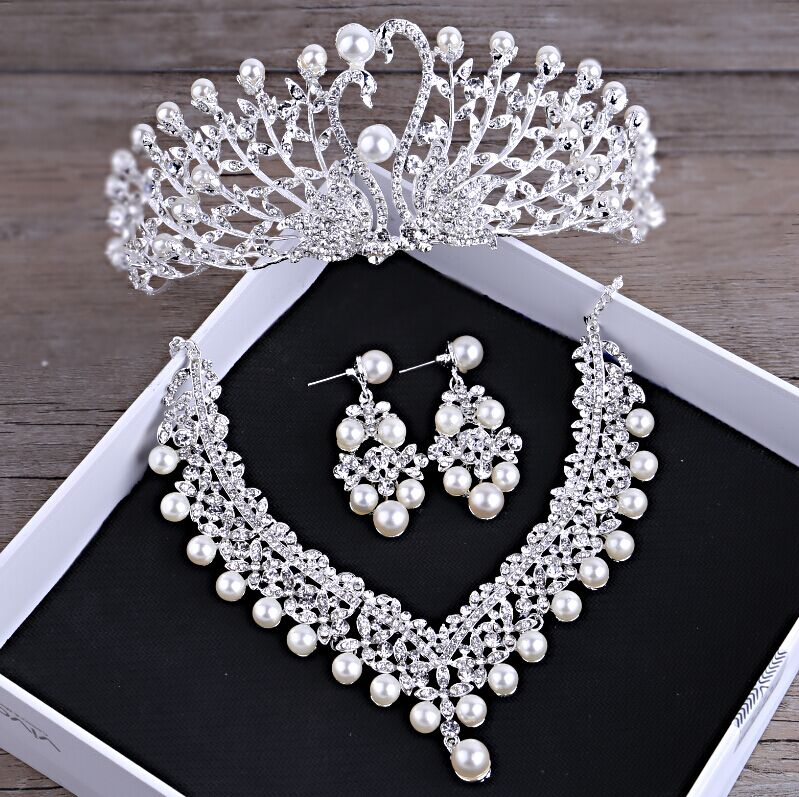 SHOSIXUAN Gorgeous Wedding Tiara Simulated Pearls Jewelry Diadem Shiny Bridal Crown Big Queen Tiaras Rhinestone Crystal Hair Jew