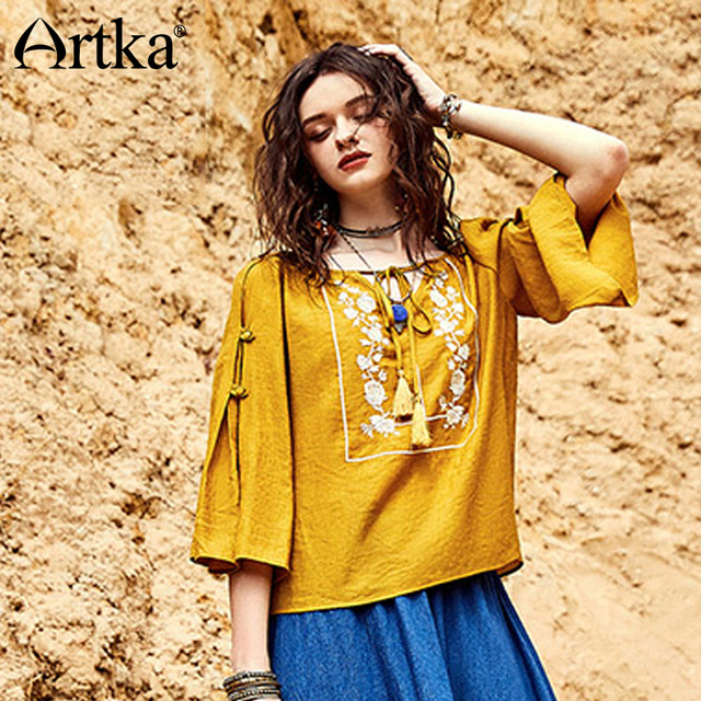 e8982ba290 ARTKA 2018 Summer New Women Bohemian Three Quarter Sleeve Flare Sleeve V  Neck Vintage Embroidery Bandage