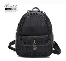 2017 опрятный стиль овчины рюкзак леди заклепки мешок черный кожаный мешок школы