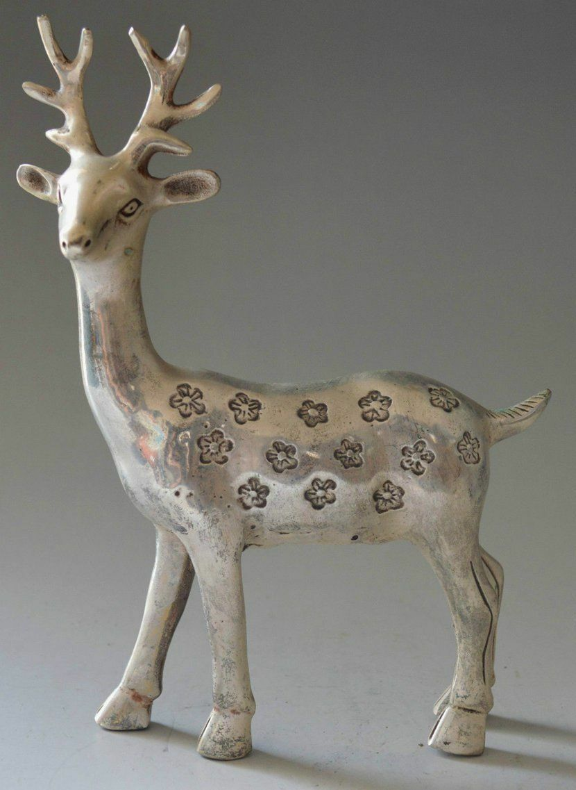 Collectible Decorated Old China Miao Tibet Hand-Carved Deer Skia StatueCollectible Decorated Old China Miao Tibet Hand-Carved Deer Skia Statue
