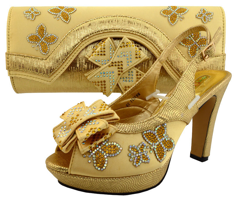 Wedding shoes and bag matching set gold color for big african aso ebi lace  fabric party italian shoes with matching bags SB8090-in Women s Pumps from  Shoes ... 47d86cabe8eb