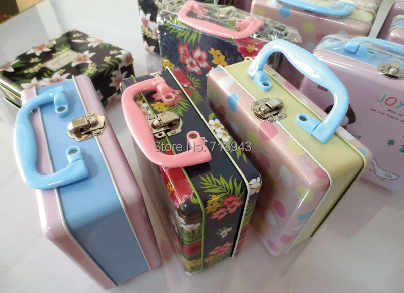 Size 158x138x65mm Lunch Box Lunch Tin Box With 2 Artworks