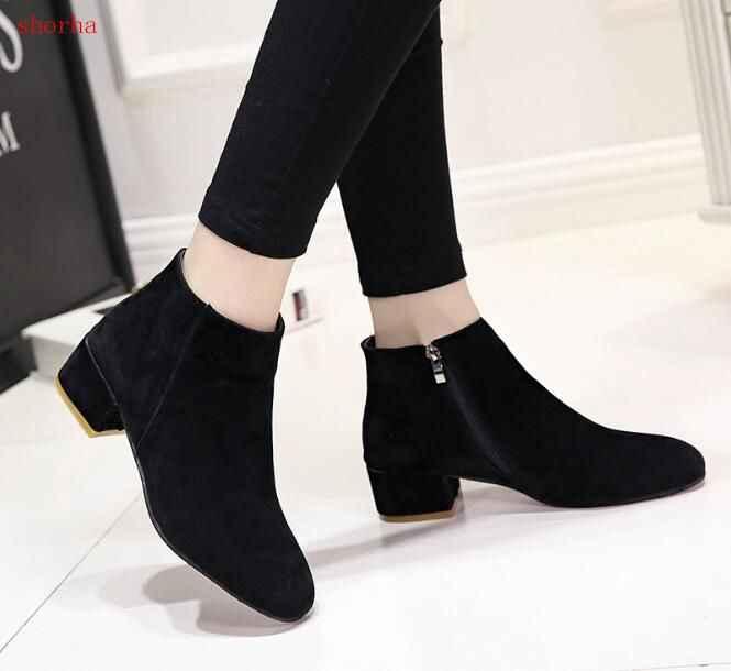 Kadın yarım çizmeler Artı Boyutu Platformu Tıknaz Topuk Ayakkabı Kadın Fermuar Kayış Ahşap Düşük Topuklu Rahat Bayan Kısa Botas