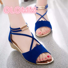 Summer new sandals fashionable comfortable straps pure color round head simple low heel