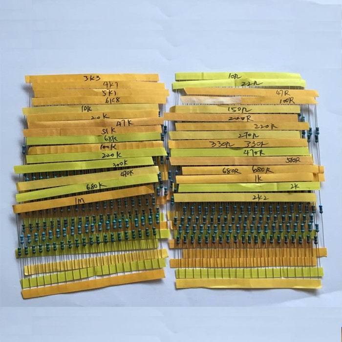 NUOVO 600 Pz 30 Generi Ogni Valore di Resistenza pacchetto di Film Metallico 1/4 W 1% resistor assortiti Kit Set 14-21