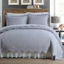 Korea Quality Solid Embroidered Quilt Set 3PCS Quilted Bedding Cotton Quilts Blanket Bedspread for Bed Covers King Size Coverlet цена 2017