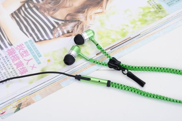 zipper earphone B