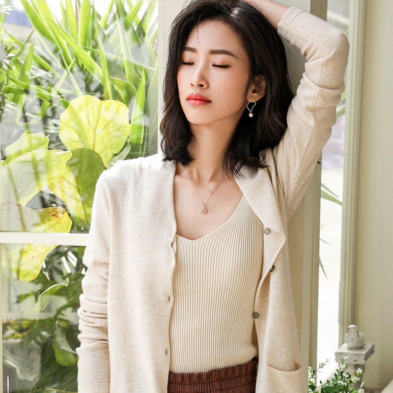 LHZSYY New Cashmere Cardigan Women' V-neck Solid Color Sweater Spring And Autumn Short Pocket Wool Knit Jacket Wild Female Shirt