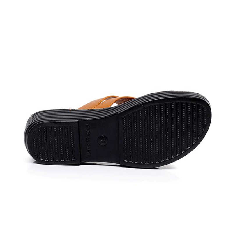 YAERNI Mother's Slippers New Flat Middle-aged Women SANDALS Fashion Wear Soft-soled Skidless slippers Summer SHOES PLUS SIZEE779