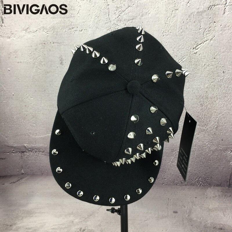 Nuevas mujeres del estilo punk medio lado Remaches hip hop Cap Gorras de  béisbol Swag negro SnapBack CAPS Sombreros para las mujeres hombres gorras  planas ... 900269a5ece