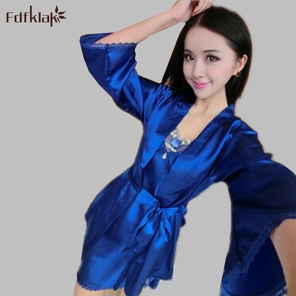 Женщины Пижамы Установить 2017 Новая Коллекция Весна Лето Ночная Рубашка Халат Наборы Искусственного Шелковый Халат Ночное Sexy Халаты Дамы A403
