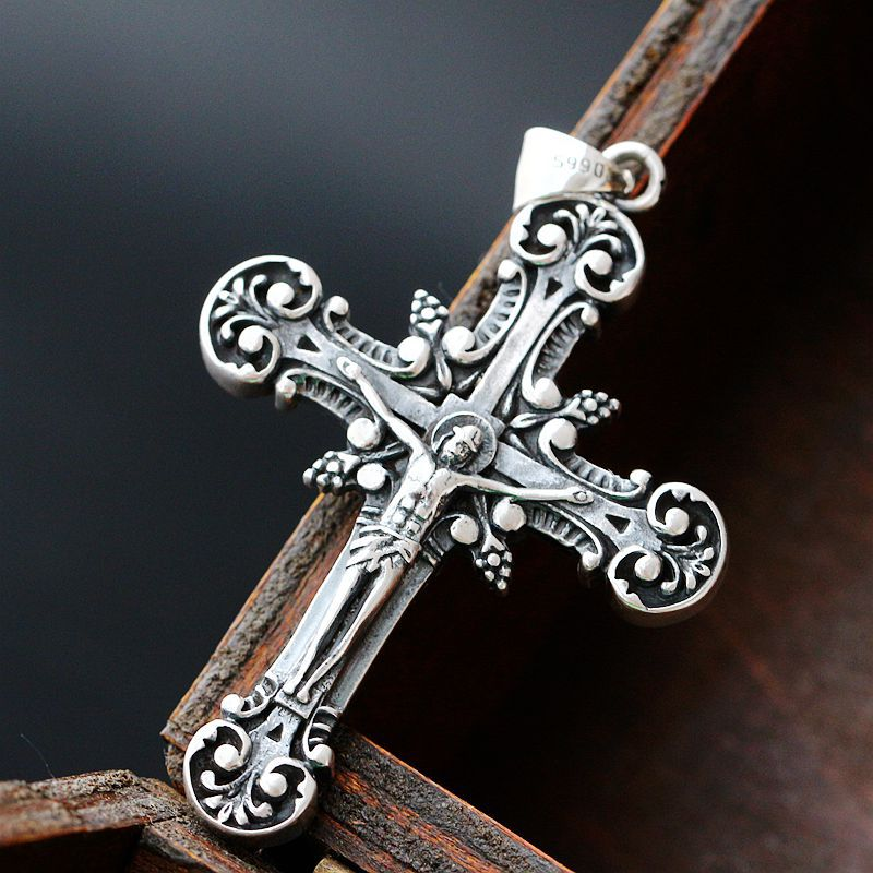 Retro Thai Silver Wholesale Silver Cross Pendant Male And Female Models Silver Pendant Genuine S990 Sterling Silver Pendant