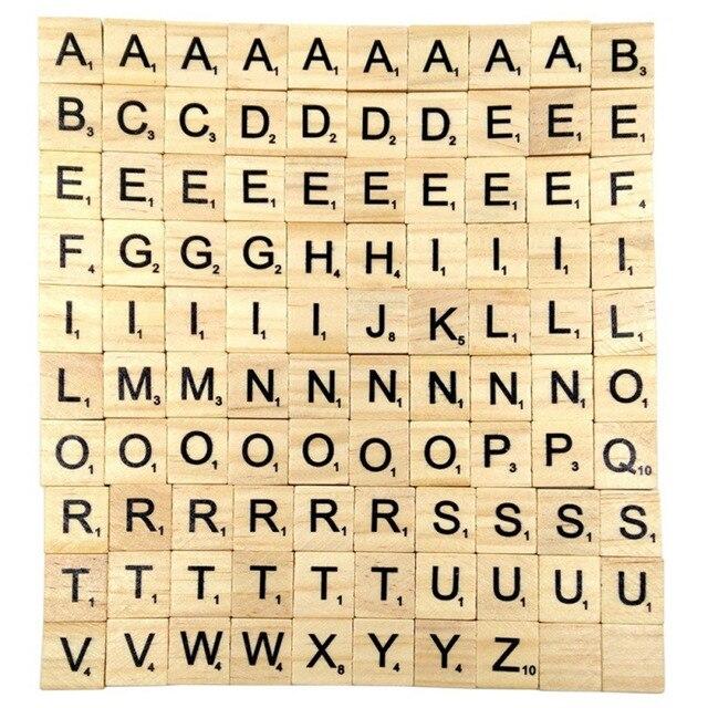 100 pçs/set Números Inglês Letras De Madeira Do Alfabeto Nome Palavra Design Arte Artesanato Pé Livre Casamento da Forma Do Coração de Madeira Decoração Da Sua Casa