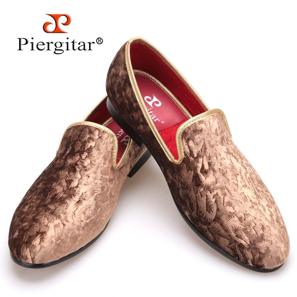 48ff0125f Piergitar 2018 الجديدة الخاصة-يدويا براون زهرة طباعة الرجال المخملية أحذية  الرجال المتسكعون أزياء الرجال الحزب و الزفاف المرأة الشقق