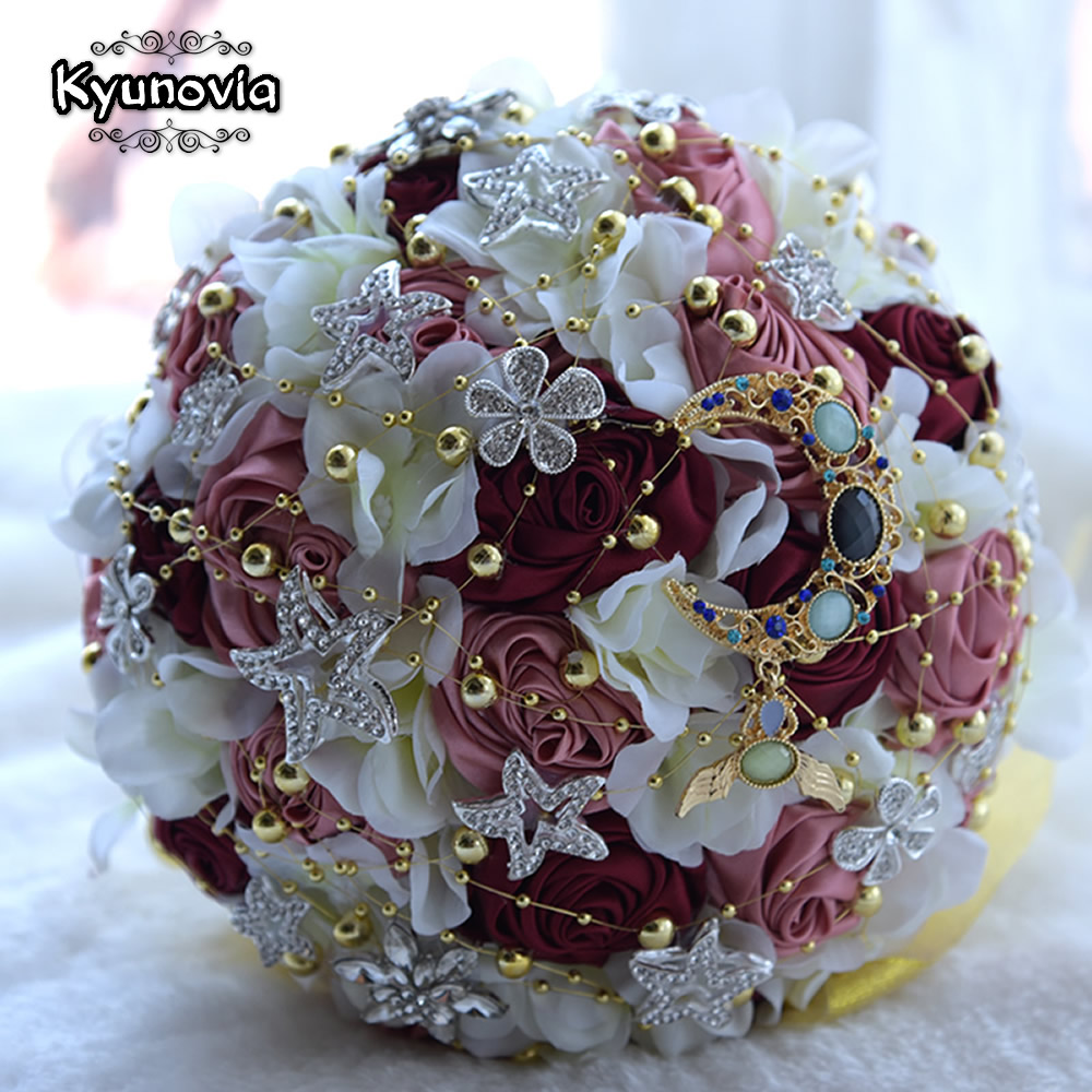 Kyunovia Charming Moon Star Brooch Bouquet Satin Ribbon Bride's Bouquet Bridal Bouquet Beads Burgundy Roses Wedding Bouquet FE43