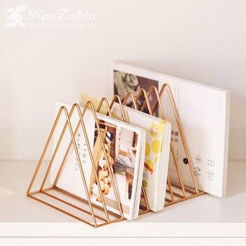 Einfache Metall Dreieck Zeitungsständer Bücherregal Zeitschriftenständer Wohnzimmer Studie Lagerung Dekoration