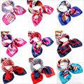 Projeto o mais novo Hot vender moda Quadrado pequeno lenço de seda da cópia da flor desgaste do trabalho gravata borboleta lenços aeromoça recepção presentes mulheres