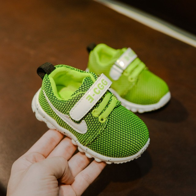Spring and autumn baby spring toddler shoes 1-2 years old boys and girls soft bottom breathable baby shoes casual sports shoes