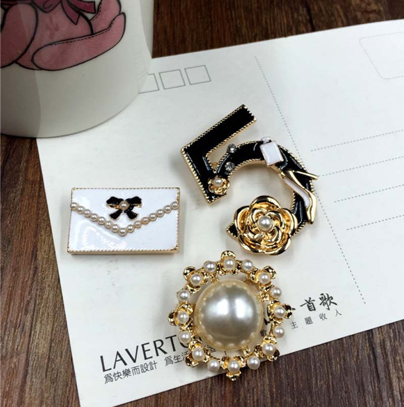 3pcs set Luxury Number 5 Round pearl Bag CC style Jewelry Camellia Brooch Pins Fashion Jewelrly